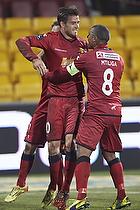 Martin Vingaard, m�lscorer (FC Nordsj�lland), Patrick Mtiliga, anf�rer (FC Nordsj�lland)