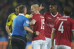Jakob Kehlet, dommer, Jonas Thomsen (FC Vestsj�lland)