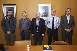 Johan Reiler (Alpha Br�ndby), Lasse Hjorth, formand (Br�ndby Support), Ib Terp, borgmester (Br�ndby Kommune), Kim Christiansen (K�benhavns Vestegns Politi), Jesper J�rgensen, administrerende direkt�r (Br�ndby IF)