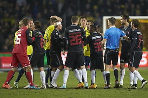 Johan Dahlin (FC Midtjylland), Kenn Hansen, dommer, Patrick Banggaard (FC Midtjylland), Rilwan Hassan (FC Midtjylland), Jakob Poulsen (FC Midtjylland)