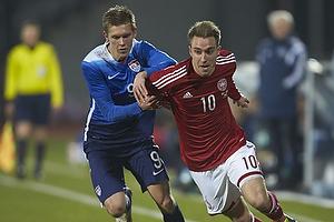 Christian Eriksen, anf�rer (Danmark), Aron Johannson (USA)