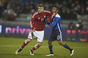 Nicklas Bendtner (Danmark), Michael Orozco (USA)