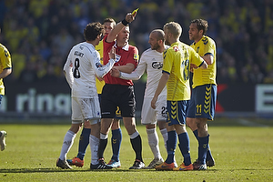 Thomas Delaney, anf�rer (FC K�benhavn), Michael Tykgaard, dommer, Johan Larsson (Br�ndby IF), Steve De Ridder (FC K�benhavn)