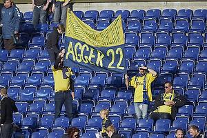 Br�ndbyfans med banner til Daniel Agger (Br�ndby IF)