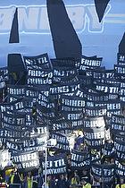 Sydsiden med protest tifo mod et awaykort