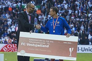 Claus Bretton-Meyer, adm. direkt�r (DBU), Henrik Madsen (FC Vestsj�lland)