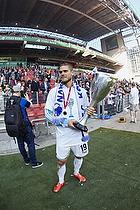 Rurik Gislason (FC K�benhavn) med DBU-Pokalen