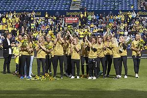 Br�ndby IFs kvinder hyldes for DM-guld i 3F ligaen
