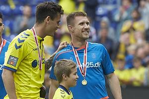 Dario Dumic (Br�ndby IF), Martin Albrechtsen (Br�ndby IF) med bronze medaljer