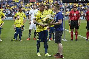 Blomster fra Br�ndby Support til Ronnie Schwartz (Br�ndby IF)
