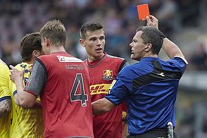 Andreas Maxs� (FC Nordsj�lland), Michael Tykgaard, dommer, Pascal Gregor (FC Nordsj�lland)