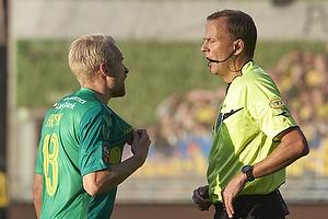 Johan Larsson (Br�ndby IF), Lars Christoffersen, dommer