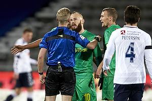 Magnus Eriksson (Br�ndby IF), Dennis Mogensen, dommer, Thomas Kahlenberg (Br�ndby IF)