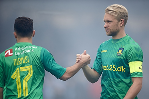 Riza Durmisi (Br�ndby IF), Johan Larsson, anf�rer (Br�ndby IF)