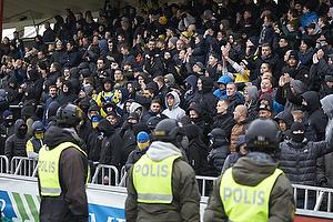 Br�ndbyfans og svensk politi