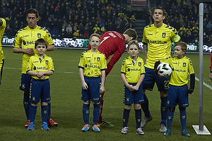 Frederik Holst (Br�ndby IF), Frederik R�nnow (Br�ndby IF), Daniel Agger, anf�rer (Br�ndby IF)