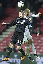 Mads Fenger, anf�rer (Randers FC), Andreas Cornelius (FC K�benhavn)