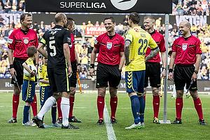 Mikkel Rask, anf�rer (Viborg FF), Daniel Agger, anf�rer (Br�ndby IF)