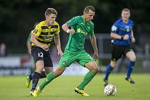 Kamil Wilczek (Br�ndby IF), Jonas Brix-Damborg (Hobro IK)