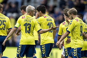 Johan Larsson, anf�rer (Br�ndby IF), Teemu Pukki (Br�ndby IF)