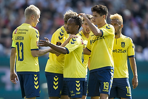 Johan Larsson, anf�rer (Br�ndby IF), Hany Mukhtar (Br�ndby IF), Christian N�rgaard (Br�ndby IF)
