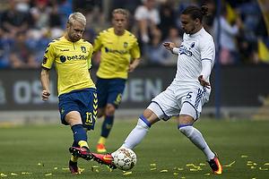 Johan Larsson, anf�rer (Br�ndby IF), Erik Johansson (FC K�benhavn)