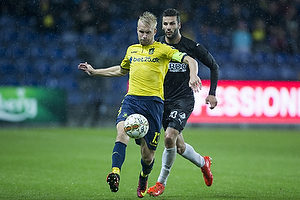 Johan Larsson, anf�rer (Br�ndby IF), Mikael Ishak (Randers FC)