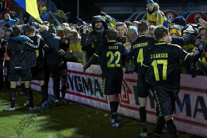 Mathias Gehrt (Br�ndby IF), Daniel Stenderup (Br�ndby IF), Jens Larsen (Br�ndby IF), Br�ndbyfans