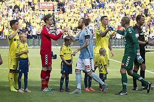 Frederik Holst (Br�ndby IF), Frederik R�nnow (Br�ndby IF), Daniel Agger (Br�ndby IF), Pierre Kanstrup (S�nderjyskE), Martin Skender (S�nderjyskE)